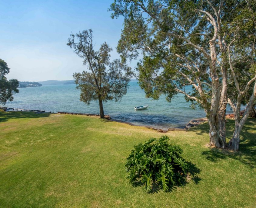 Woodys Place - House Accommodation Port Stephens